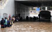 Тежки наводнения в Гърция, човек почина