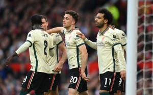 НА ЖИВО: Ман Юнайтед 0:5 Ливърпул, домакините с човек по-малко