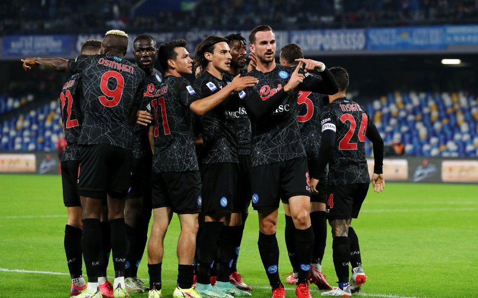Доминантен Наполи оглави класирането в Серия А след нова класика