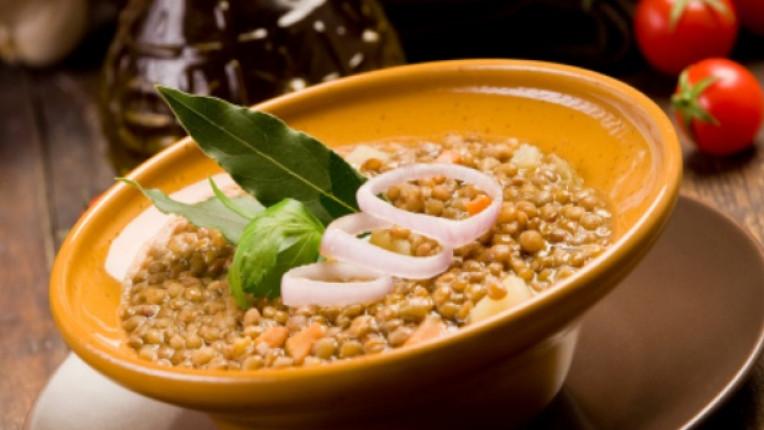 леща растително масло канела карамфил доматено пюре къри чушка вегетарианство