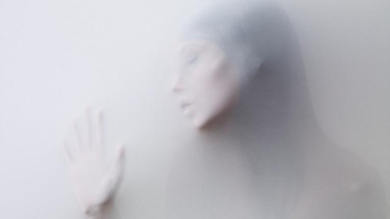 чувства пътуване жена емоция самота тъга
