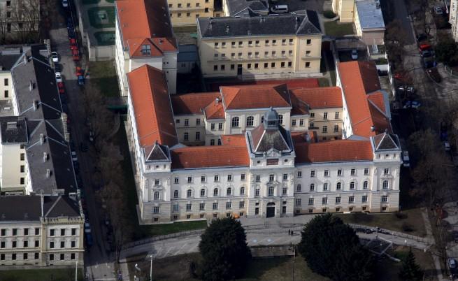 В Санкт Пьолтен започва процесът срещу Фрицъл