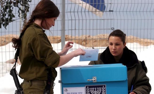 Детективи следят израелки, отказали военна служба