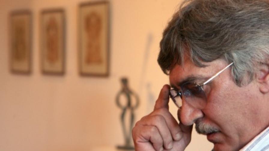 Почина писателят Виктор Пасков