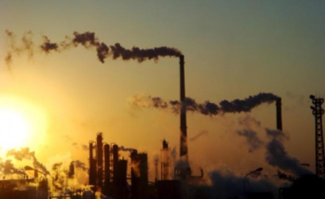Брюксел готви глоба за България заради липса на план за търговия с емисии