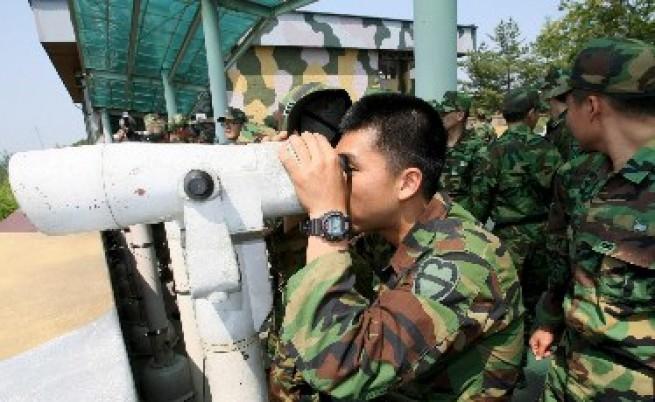 КНДР заплаши, че ще напада южнокорейски и американски кораби
