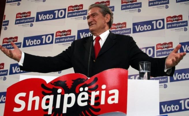 Бериша печели изборите в Албания