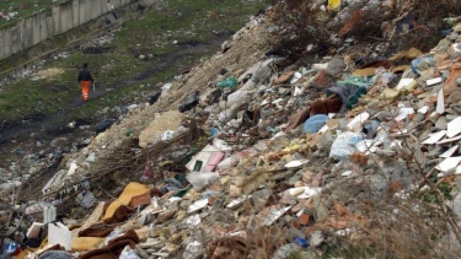 ЕК затваря сметища, които не отговарят на еко норми
