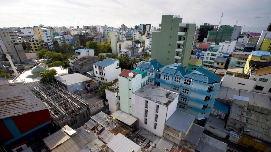 Столицата на Малдивите може да остане под океана.