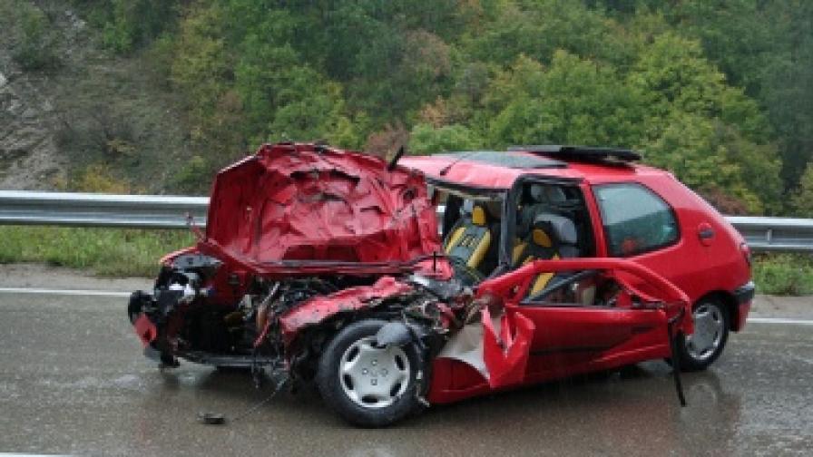 Седем жертви в катастрофи за една сутрин