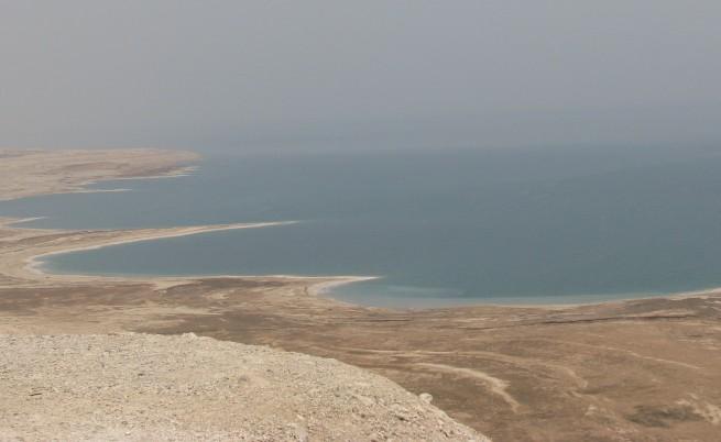 Мъртво море умира
