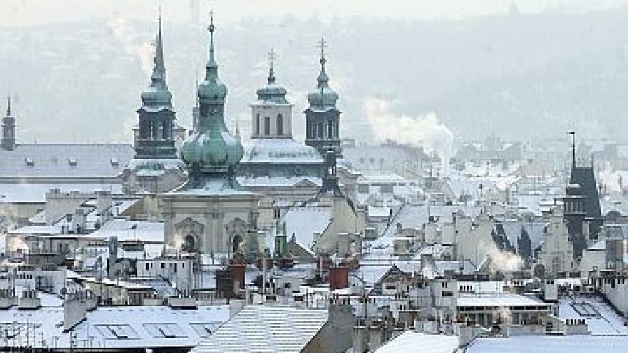 Чехи изгориха чучело на Дядо Коледа