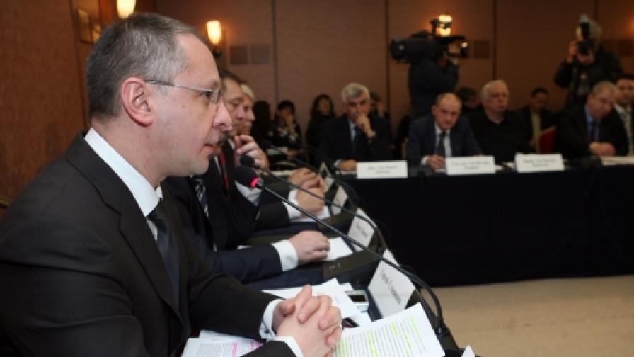 """Вчера председателят на БСП откри международна конференция на тема """"Социализмът на ХХI век. България 2020"""""""