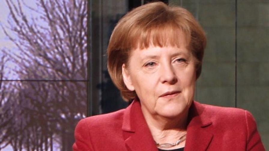"""Меркел: """"Най-трудният период за еврото"""""""