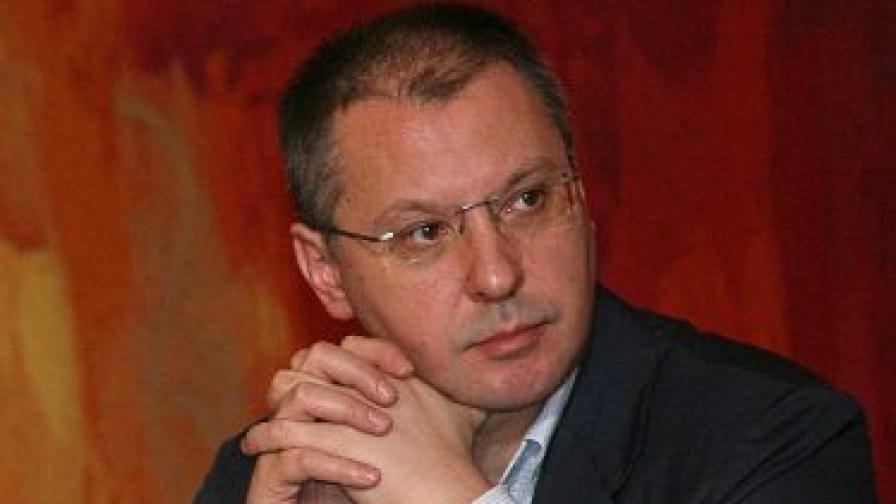 Станишев: Дянков иска да да се оправдае с нас