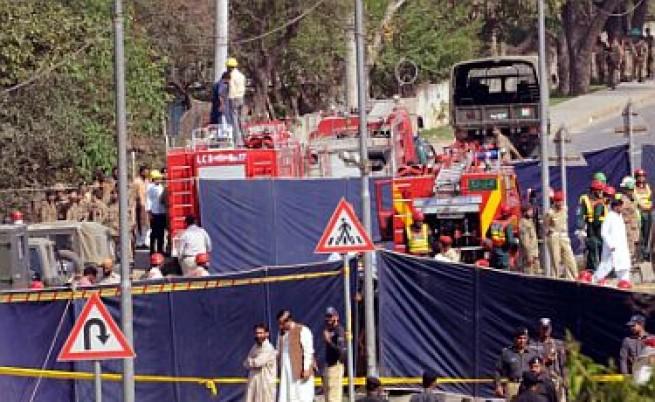 Десетки убити при атентати в Кандахар