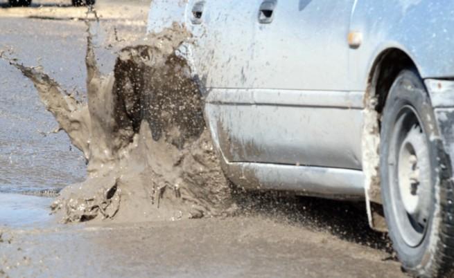 Започват ремонти по третокласните пътища в страната