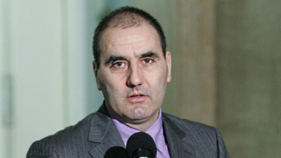 Зам.-кмет си затварял очите за Гуцанов