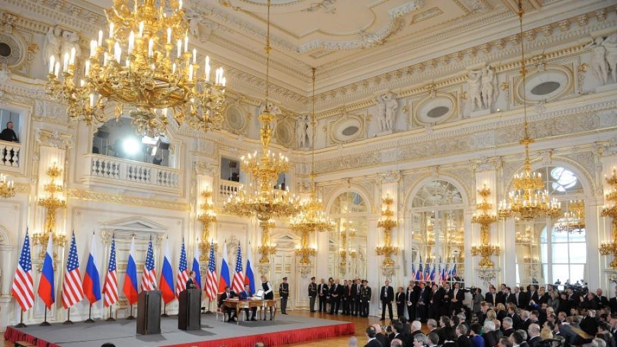 Медведев и Обама подписаха новия договор СТАРТ