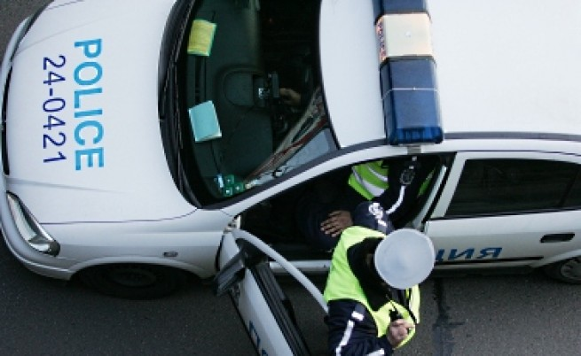 Мъж катастрофира с открадната патрулка в Дупница