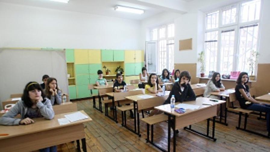 Ученици фантоми източват пари за образование