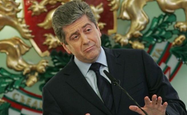 Военният министър: Първанов блокира назначения заради свой човек