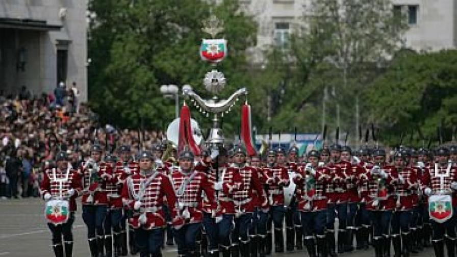Президентът: Реформата в армията няма алтернатива