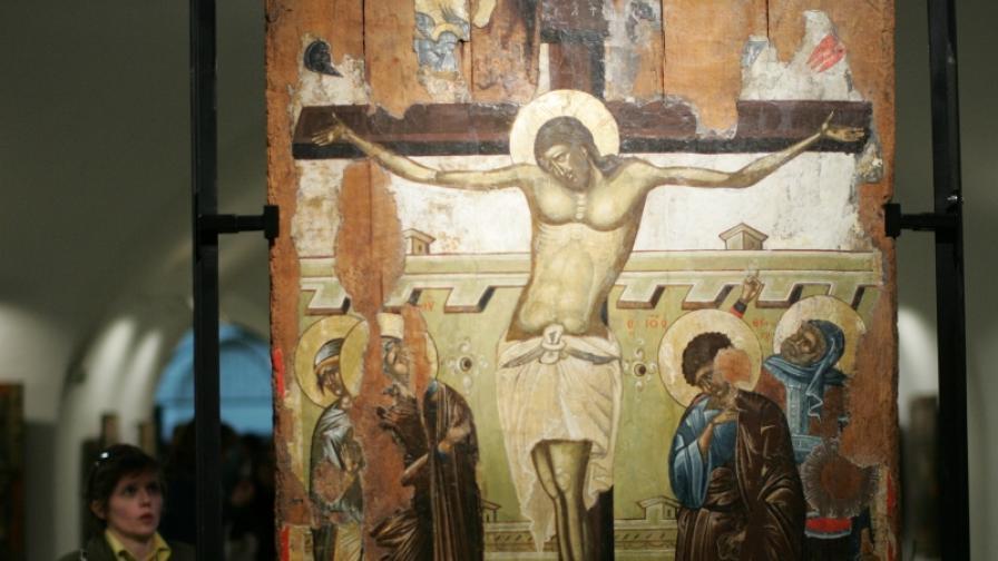 """Иконите в криптата на """"Св. Александър Невски"""""""