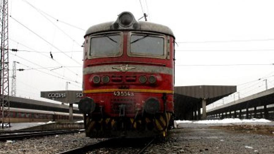 Кражба на релси забави влака Бургас-София с 4 часа
