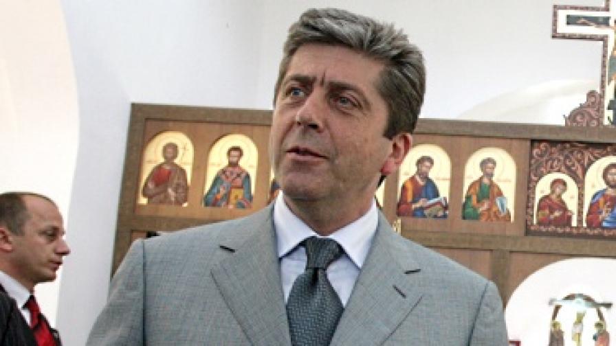 Първанов: В България стават странни неща
