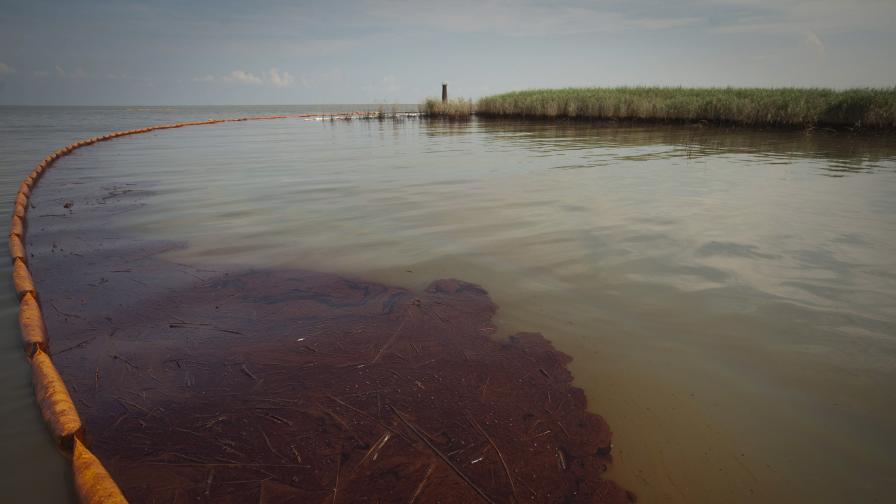 """""""Бритиш петролиъм"""" отрича петролните облаци под водата"""