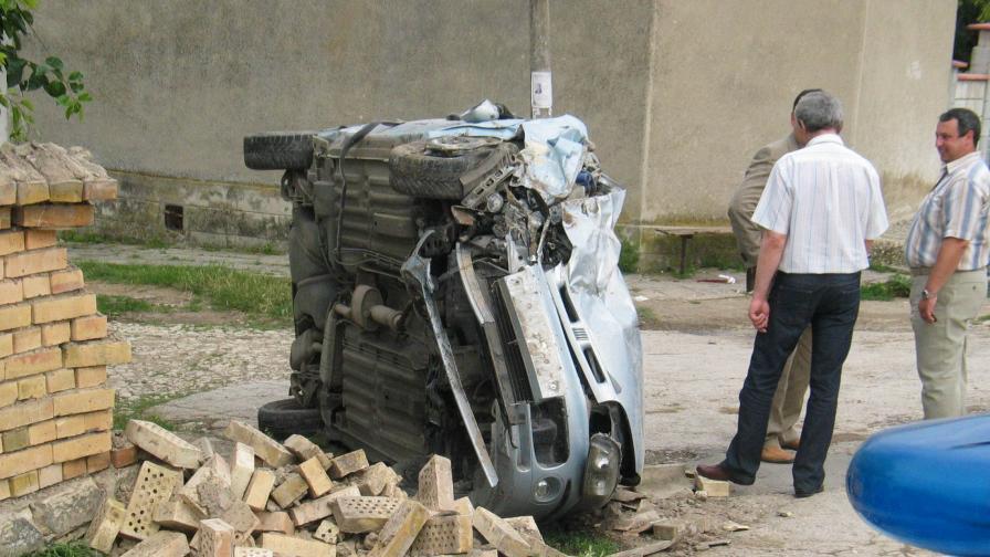 Непълнолетен шофьор уби двама