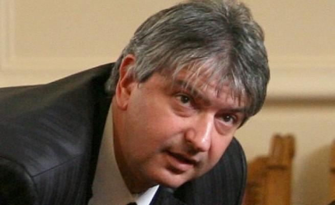Зам.-шеф на парламента подаде оставка след скандал за ходатайство