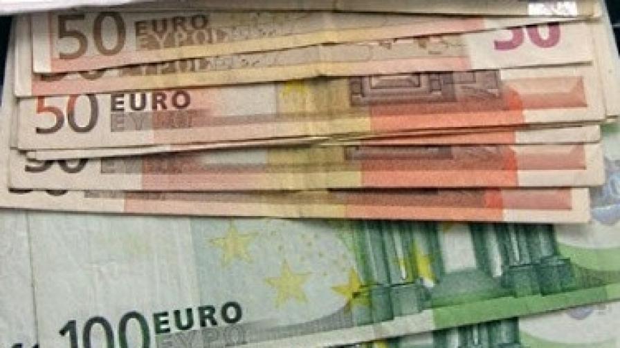 Еврото достигна двумесечен максимум