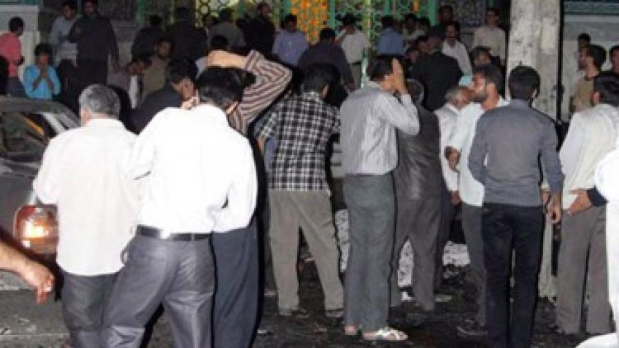Над 20 загинали и стотици ранени при двоен атентат в Иран