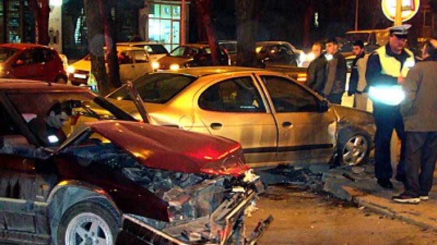 Пияна жена помля с джип пет паркирани коли във Варна