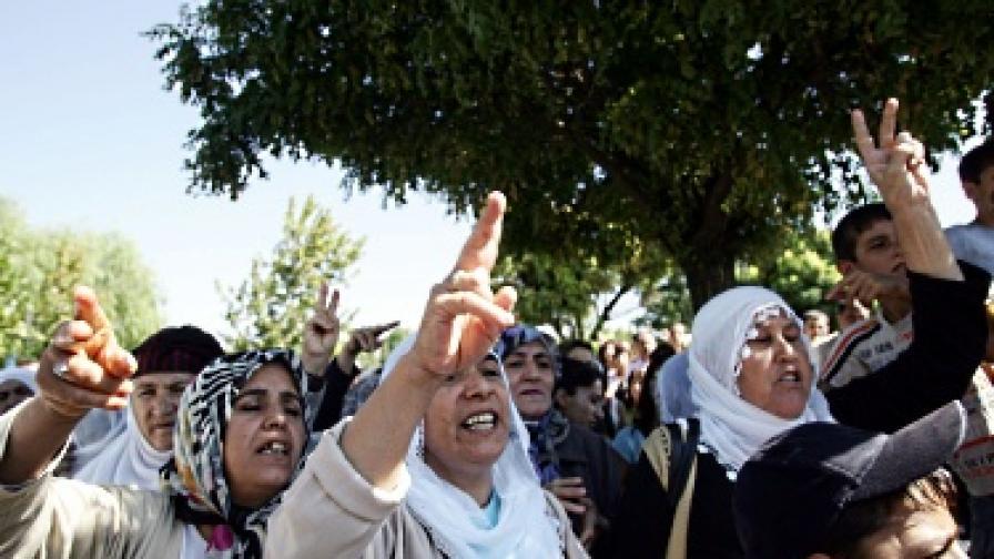 Турция облекчи наказанията за деца, обвинени в тероризъм
