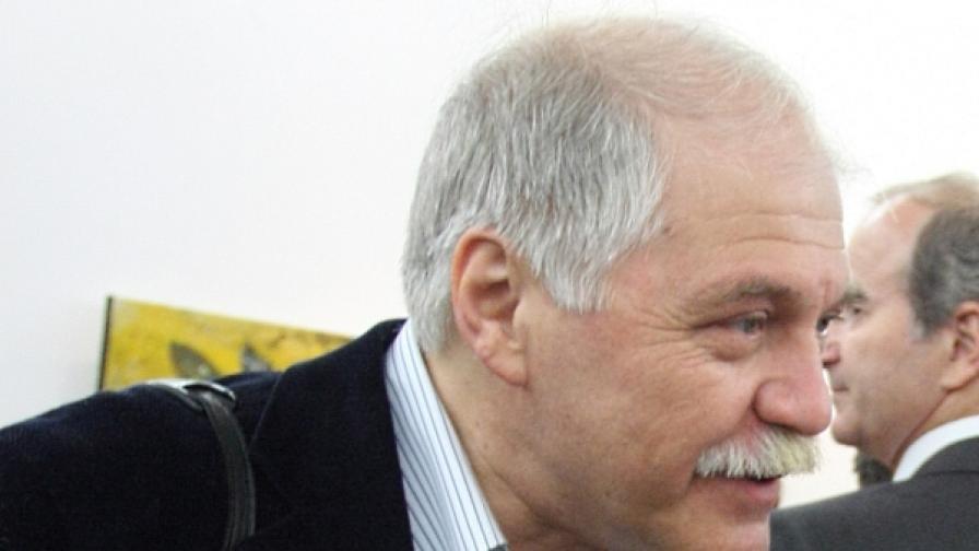 """Проф. Владко Мурдаров за абсурда """"входирам"""""""