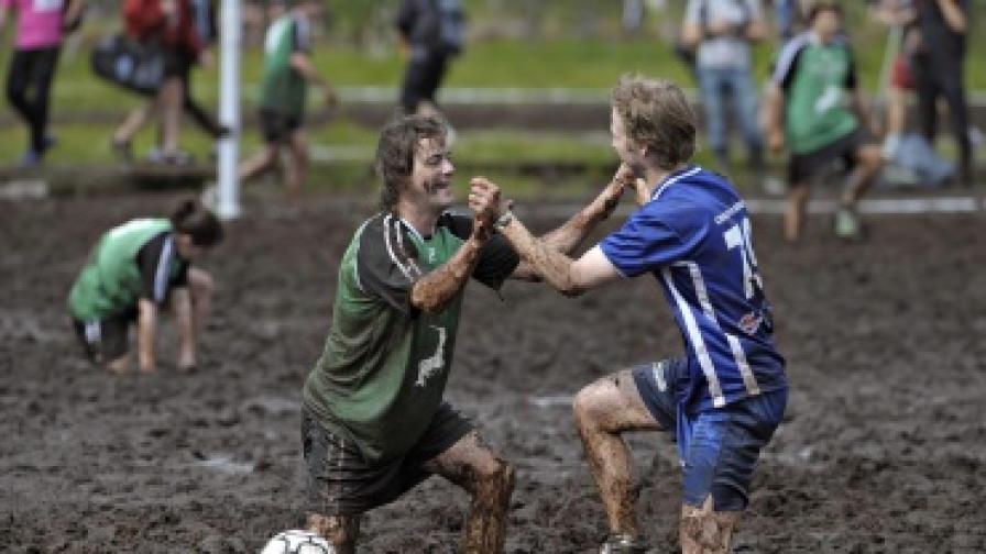 Участници в Световното първенство по футбол в кал, Финландия, 2009