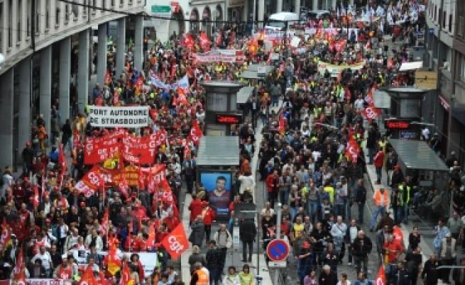 2,5 млн. души протестират срещу пенсионната реформа във Франция