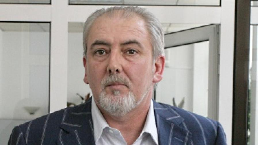 Местан: Компетентността на Доган не се свежда до дипломата му