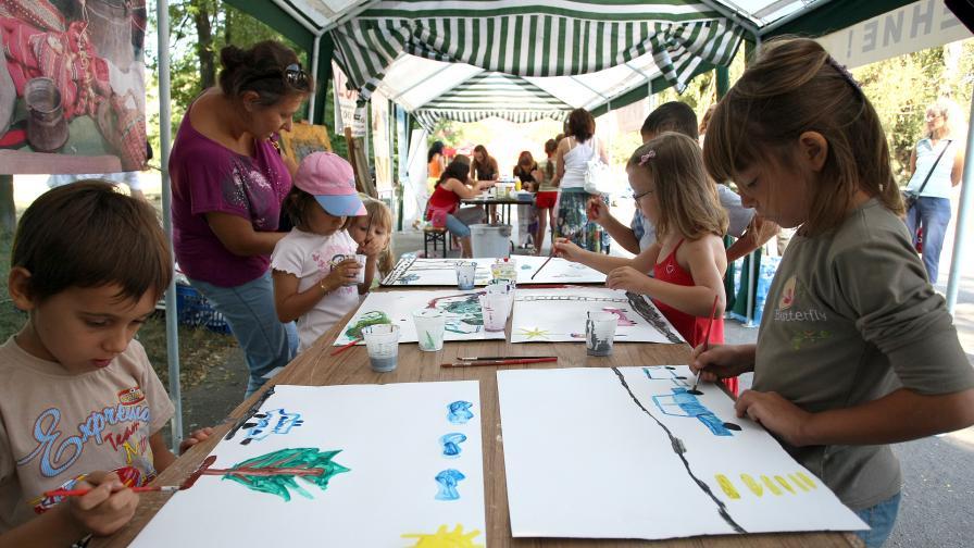 Родители предлагат алтернатива на детските градини