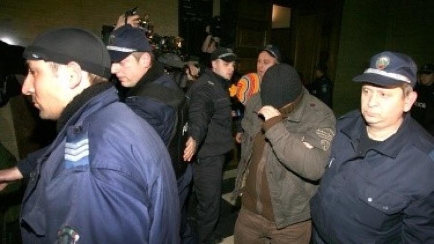 """Софийската градска прокуратура внесе обвинителен акт срещу арестувани в спецакция """"Наглите"""" на 8 септември 2010 г."""