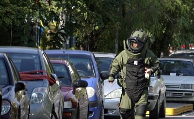 Атаките на анархистите продължават в Атина