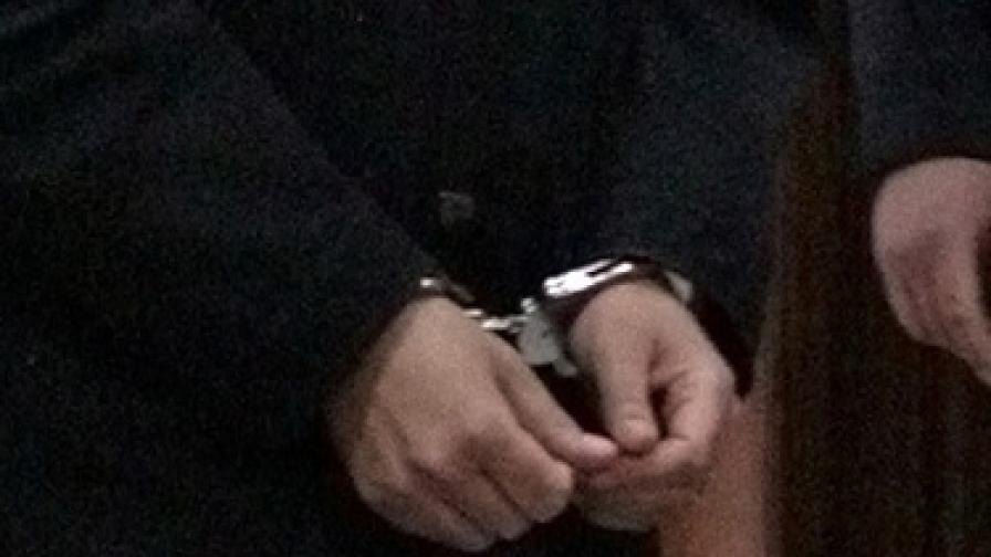 Задържаният за лихварство общинар от Бургас остава в ареста