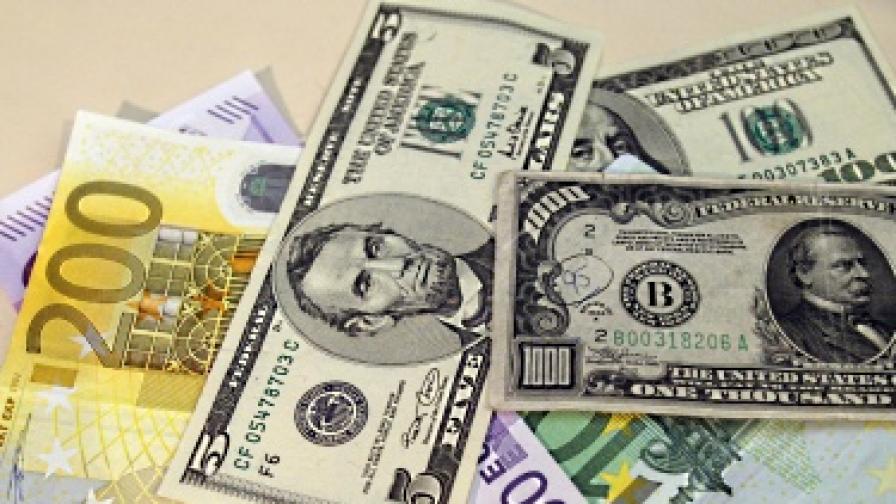 Най-скъпите кредити в ЕС - у нас и в Румъния
