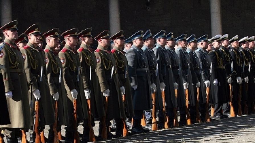 """Стандарт"": Тайни записи на висши военни"