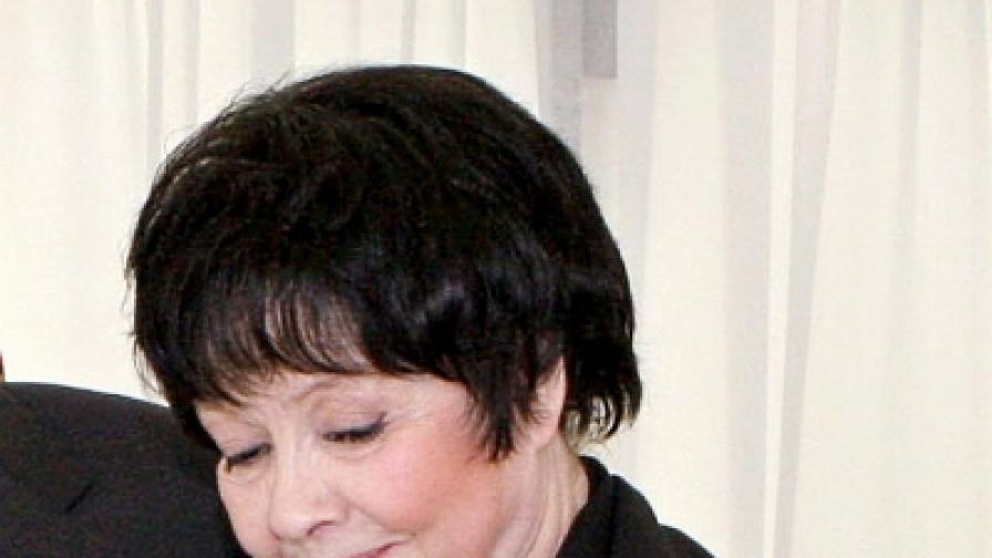 Почина руската поетеса Белла Ахмадулина