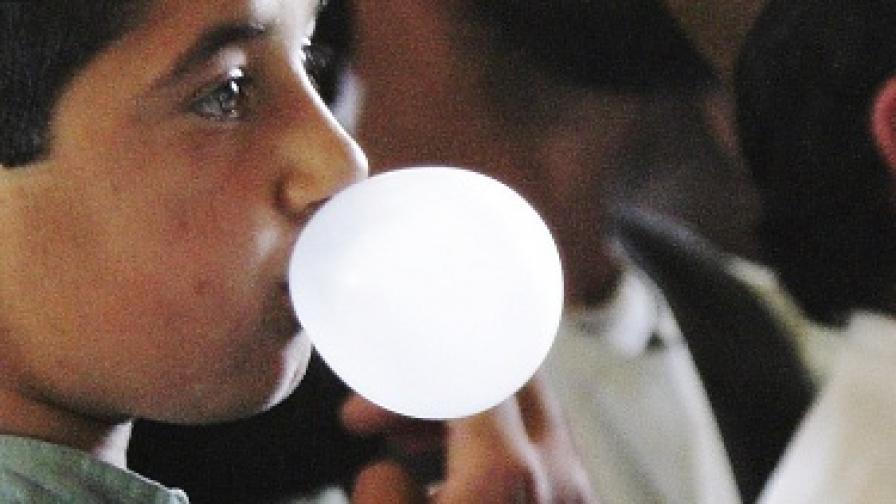 Германско училище насърчава дъвката в час