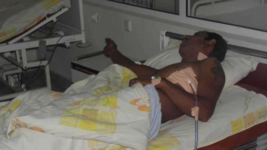 Скинари пребиха двама младежи в автобус 94